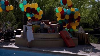 El-regalo-de-Walter-White-pila-regalos Objetos en el guion: El regalo de Walter White