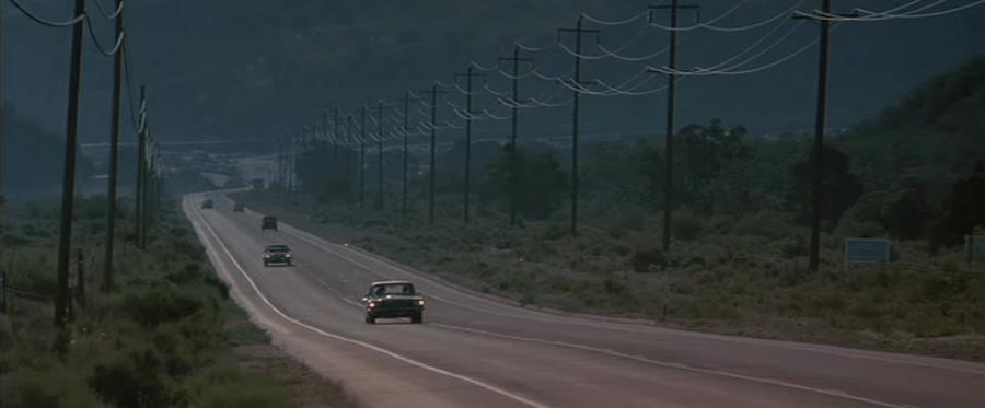 Thelma-y-Louise-Necesitaremos-dinero-00-900x373 Cómo se escriben escenas con vehículos